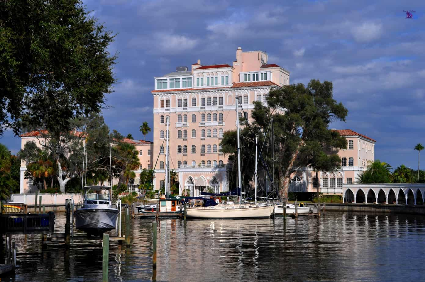 Image of a pink waterfront building and boats in Davis Islands Tampa FL