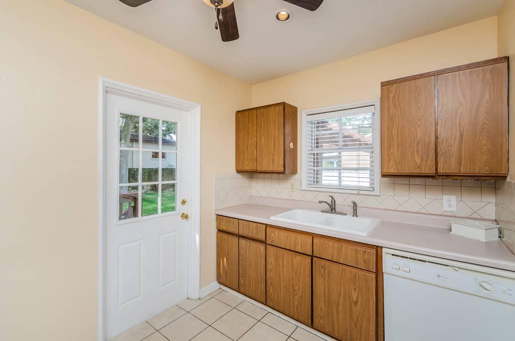 kitchen-4204-w-empedrado-street-tampa-fl-33629