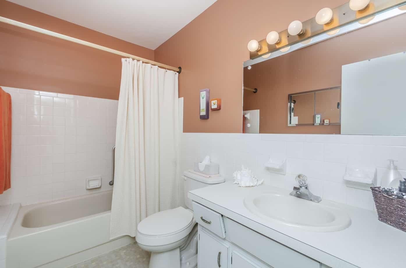 11-2285-Israeli-Dr-#17-Clearwater-Fl-33763-Bathroom-2